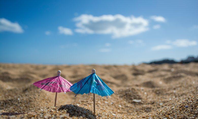 чадъри на плажа в Албена