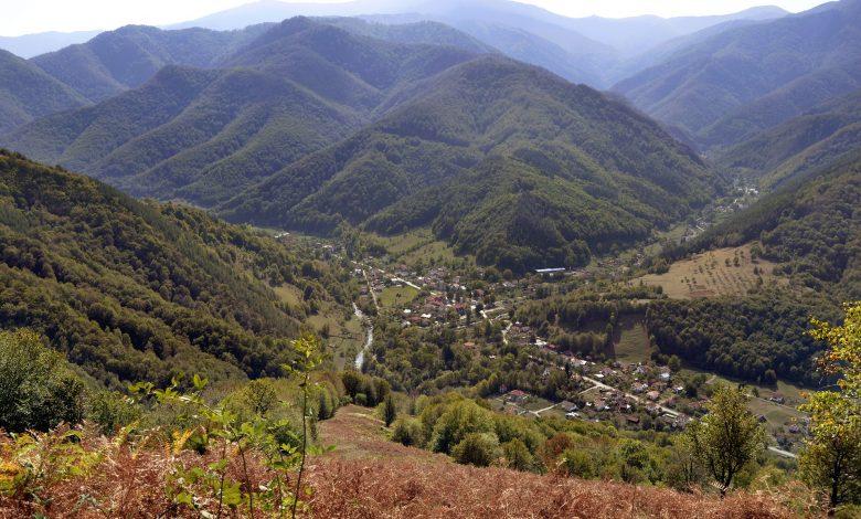 Село Рибарица в поглед от високо